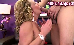 Hung guy for mature divorcee