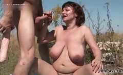 Fat mature slut gets her hairy pussy
