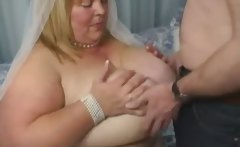 Fat curvy blonde gives blowjob to hubby